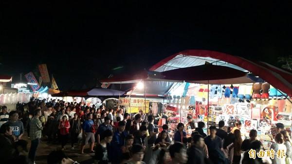 潮州春節市集到訪人次突破28萬,再創新高。(記者邱芷柔攝)