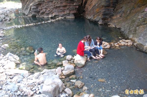 大同鄉芃芃野溪溫泉,被視為高檔次的野溪溫泉祕境。(資料照,記者江志雄攝)