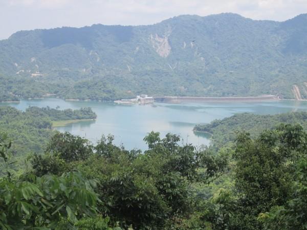 六義山可遠眺南化水庫美景。(屏林處提供)