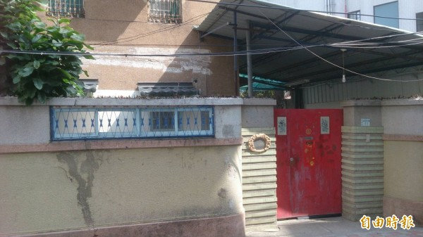 湯德章生前位在友愛街的居所已掛牌名人紀念故居。(記者洪瑞琴攝)