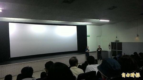 去年在新榮戲院包場放映國片「阿莉芙」,吸引影迷購票觀影。(記者王善嬿攝)