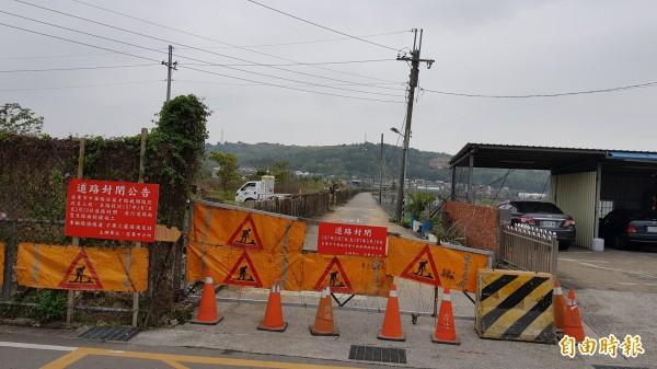 苗栗市福安鐵路地下道聯絡道拓寬,預計60個工作天完工,施工期間,公所也請鄉親改道。(記者彭健禮攝)
