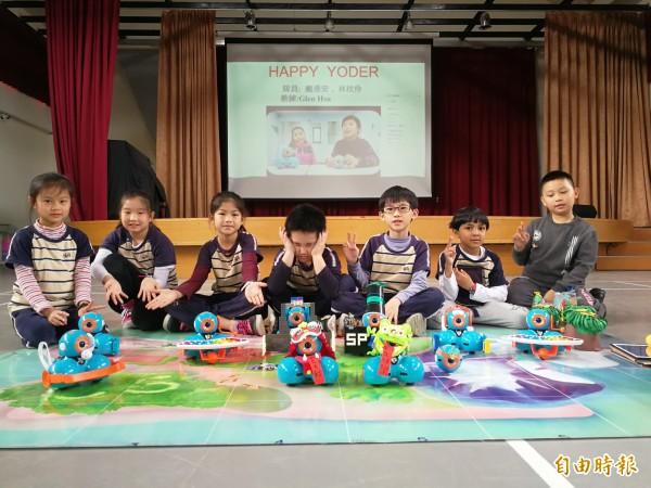 有得國小六隊學生參加機器人競賽。(記者許倬勛攝)
