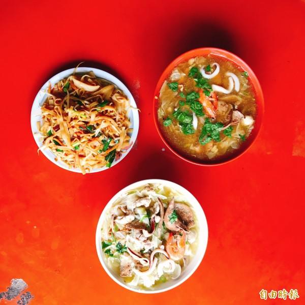 粿仔炒、滷粿仔及什錦麵份量大,也是招牌美食。(記者洪臣宏攝)