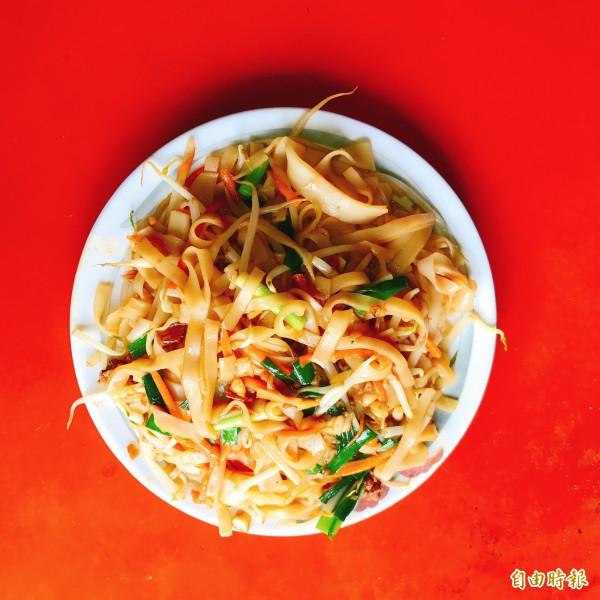 大樹粿仔炒是高雄地區馳名美食。(記者洪臣宏攝)