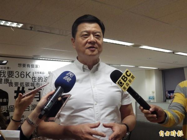 爭取國民黨新北市長黨內提名的前台北縣長周錫瑋。(記者陳心瑜攝)
