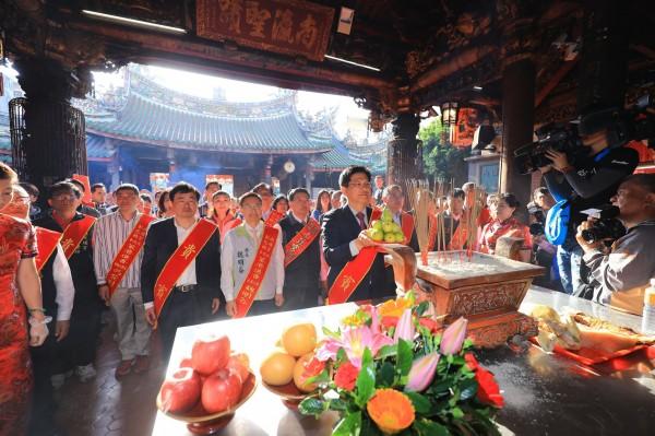 台中市長林佳龍受邀參加彰化媽進香起駕儀式。(台中市政府提供)