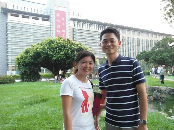 郭力嘉妻楊維蓉在東山經營向陽居,人情味也是經營特色。(圖由郭力嘉提供)