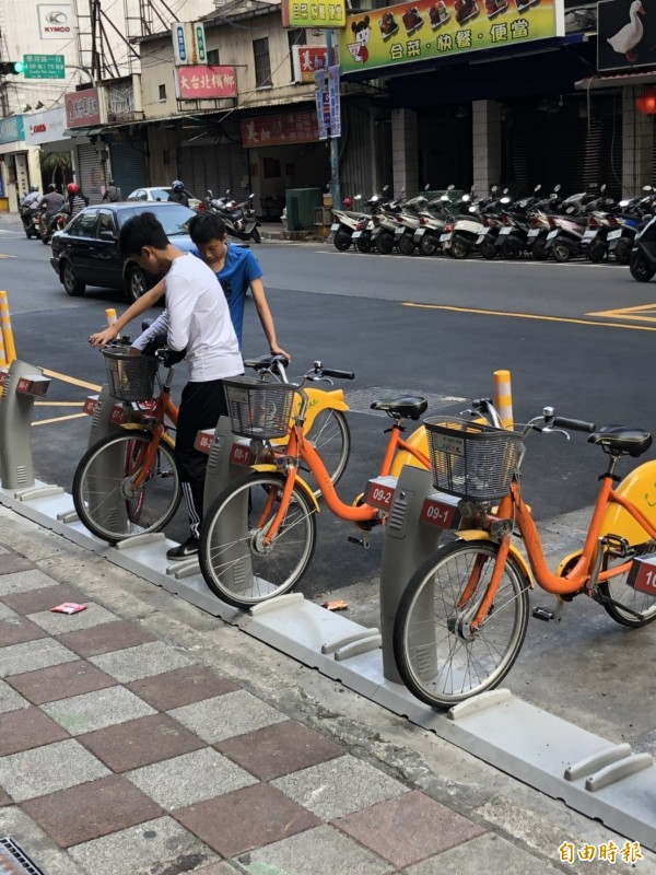 位於土城區「廣福派出所」也設新增34個Youbike車位。(記者邱書昱攝)