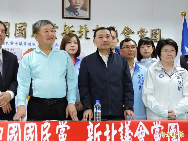 立委吳秉叡在新北市長選舉中出局,對此,侯友宜競選辦公室說,等著看民進黨出牌,也歡迎各界人才為新北市努力。(資料照)
