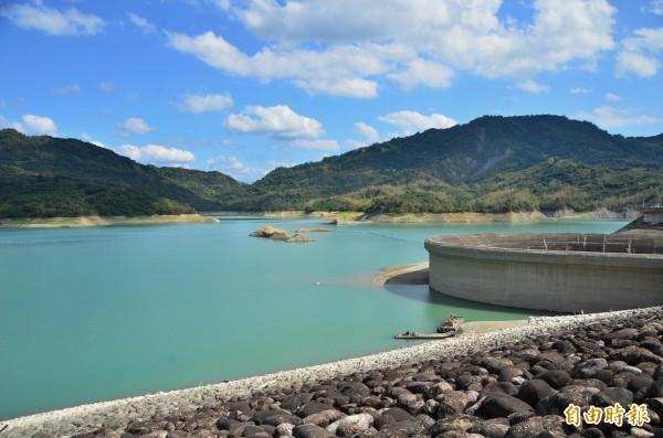 南化水庫蓄水率40﹪,沒有聯通管,無法支援曾文水庫。(記者吳俊鋒攝)