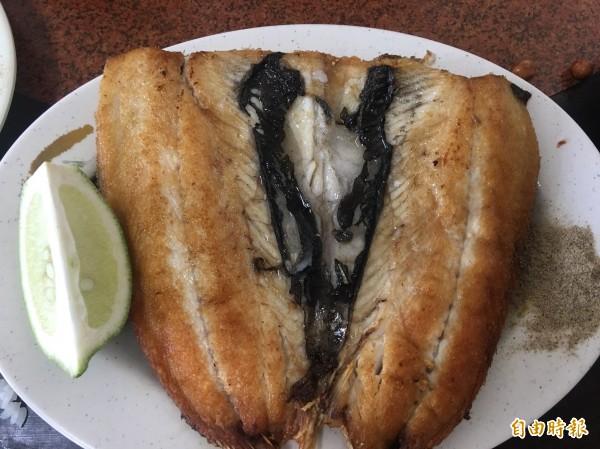 香煎虱目魚肚,是老饕的最愛。(記者蔡宗勳攝)