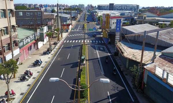 昔被網路票選為「爛路王」,中壢環中東路今平坦度媲美高速公路。(桃園市政府養護工程處提供)