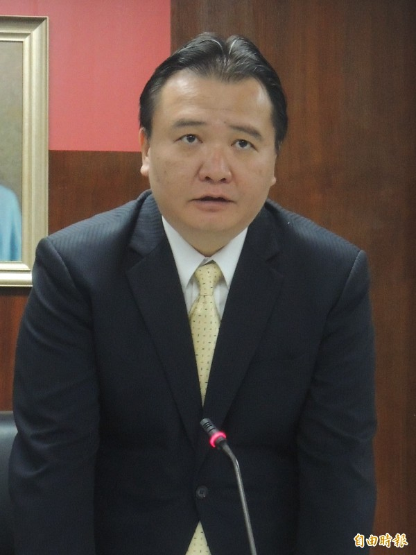 高市代理市長許立明首度以新身份主持市政會議(記者王榮祥攝)
