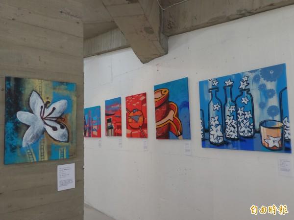 「插話畫新竹」畫展,今起在竹東文創藝術村展至5月20日。(記者廖雪茹攝)
