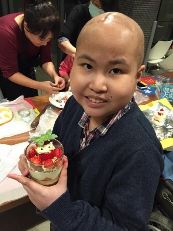 邱湘云罹患先天性髓母細胞等3種癌症。(記者黃旭磊翻攝)