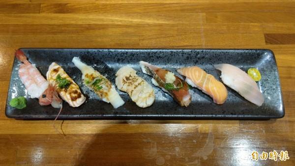 生魚片握壽司。(記者蔡政珉攝)