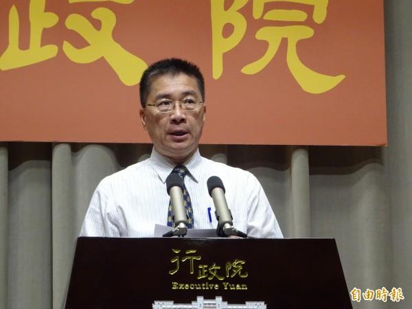 行政院發言人徐國勇談教育部駁回管中閔的校長聘任案,指管中閔違法就是違法。(資料照)