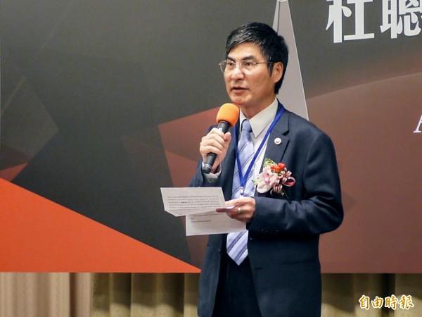 學術界不斷出現學倫爭議,科技部長陳良基表示,會加強學倫教育。(記者簡惠茹攝)