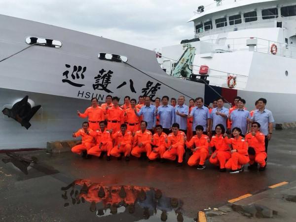 海巡署巡護八號完成4365浬護漁長征,返回高雄。(記者洪臣宏翻攝)