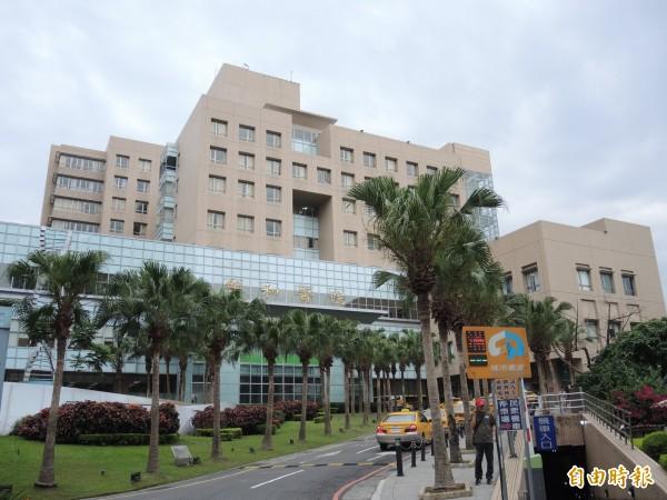 雙和醫院外包廠商員工傳出疑似性騒擾事件。(記者翁聿煌攝)
