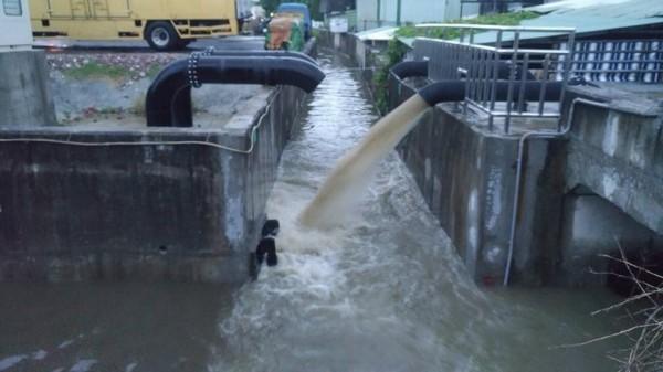 南市努力推動治水改善工程。(擷自臉書)