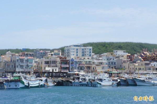 澎湖以漁業為生,外垵漁港為衛星漁港。(記者劉禹慶攝)