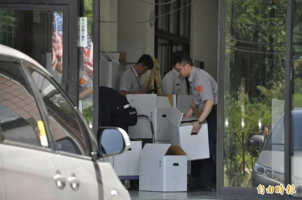 台灣民政府中央會館10日被檢調搜索。(記者周敏鴻攝)