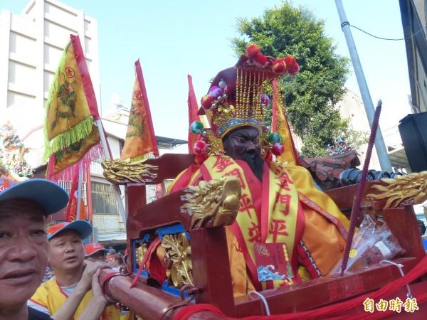 來自中國廈門、漳州、泉州及金門的關聖帝君造型不同,但都一身凜然正氣。(記者吳正庭攝)