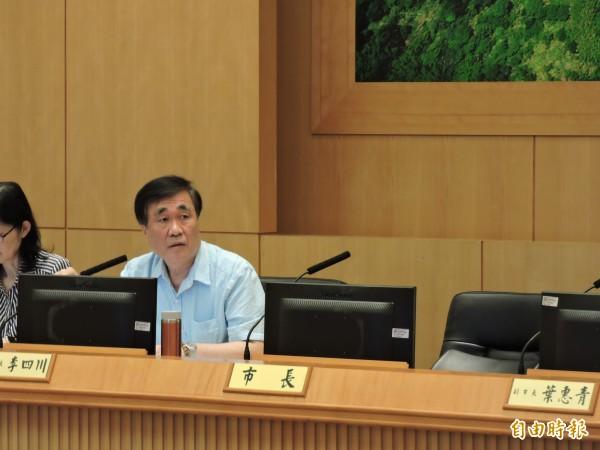 新北市長朱立倫請假出國,今天上午市政會議由副市長李四川主持。(記者賴筱桐攝)