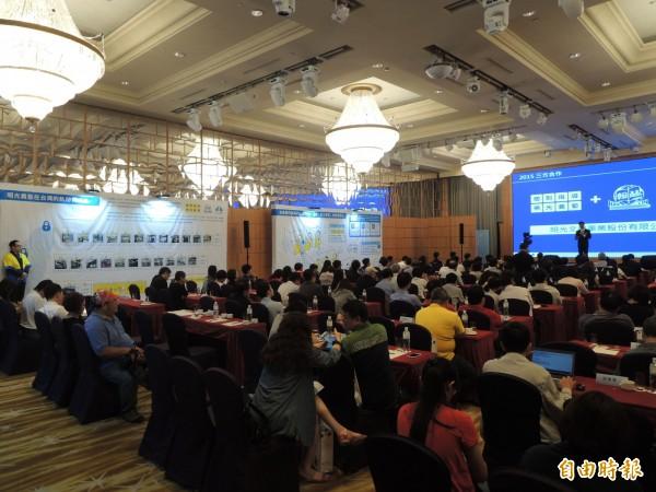 日系補習班在漢來飯店舉辦說明會。(記者黃旭磊攝)