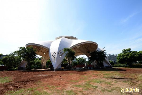 楊梅埔心公園天幕將於週六啟用。(記者許倬勛攝)