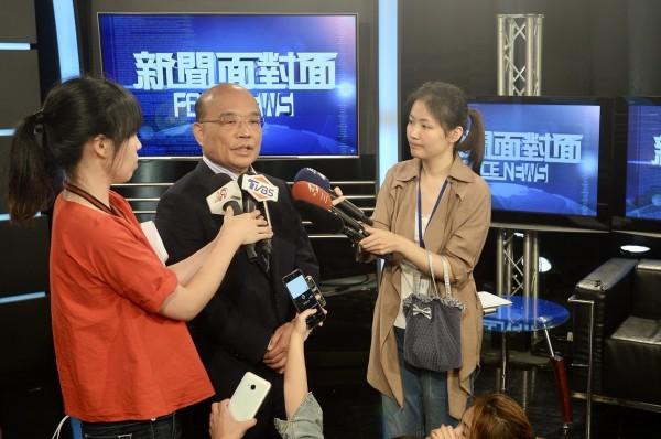 蘇貞昌認為,目前檯面上有表達參選台北市長意願的人都很優秀,黨中央會循民主程序,選出最適當的人選。 (蘇貞昌辦公室提供)