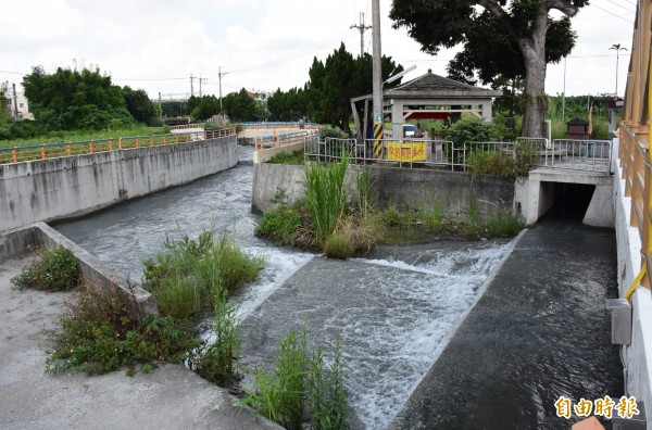 八堡圳是灌溉彰化平原不考或缺的水源。(記者陳冠備攝)