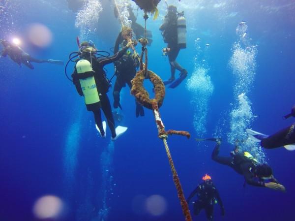 小琉球海洋志工隊、鵬管處、東管處日前到墾丁「朝聖」繫錨點。(記者陳彥廷翻攝)