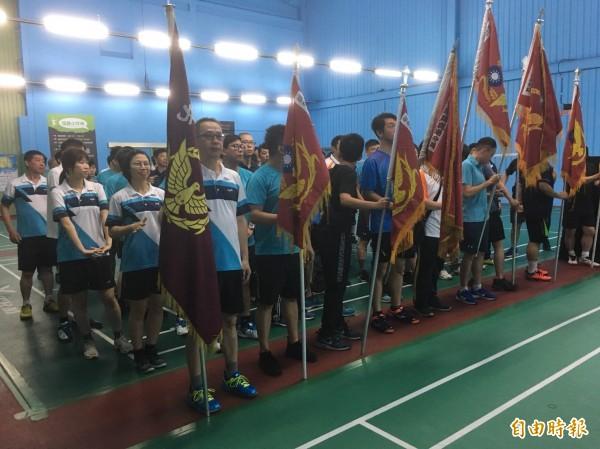 警察節羽球大賽,彰化警局上百名男女選手出戰。(記者湯世名攝)