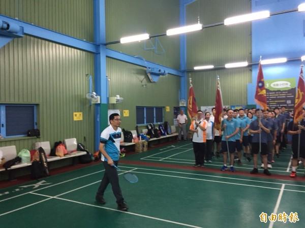 警察節羽球大賽,彰化警局長林順家主持開球儀式。(記者湯世名攝)