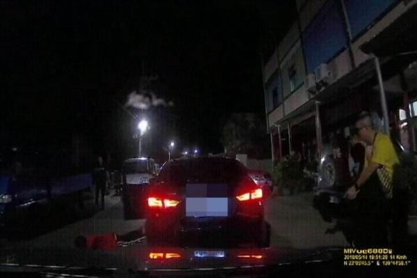 警方開槍攔捕破獲5人製毒集團。(記者黃良傑翻攝)