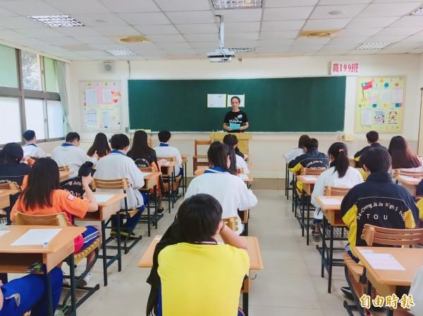 國中會考第一天,桃園缺考率不到1%。(記者謝武雄攝)