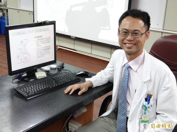 台南醫院內分泌科主治醫師劉貴文指甲狀腺機能亢進患者須規則接受治療、服藥,否則會有致命風險。(記者王俊忠攝)
