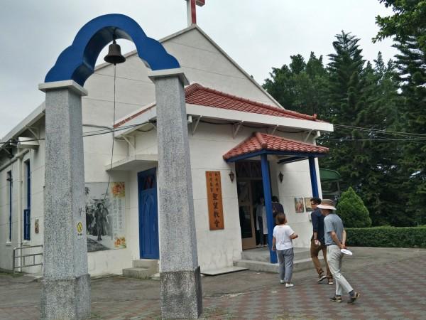亞洲產業文化資產論壇28日邀六國專家學者至樂生療養院進行參訪,圖為聖望教會。(樂生療養院提供)