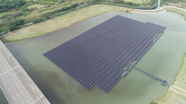 台南樹谷園區公滯一、二滯洪池,設置太陽光電系統約4.25公頃,面積不小。(圖由水利局提供)
