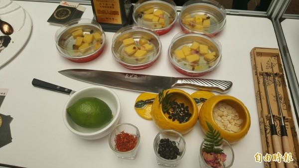 名媛甜點鑑賞最佳人氣獎為安東市場的馬師原創料理。(記者楊心慧攝)