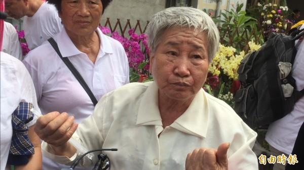 吳林罔腰姪女吳蜜桂表示她相信四嬸的故事確有其事。(記者林國賢攝)