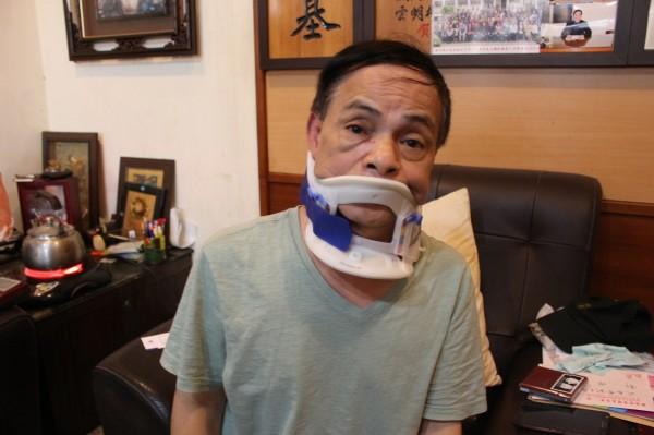 鹿港鎮代表會副主席郭熠水指控他被前任鎮代表會副主席許志育打傷。(圖記者張聰秋翻攝)