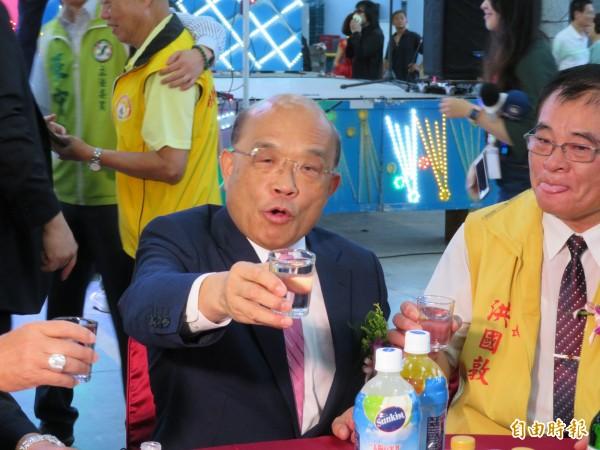 蘇貞昌接受電台專訪,提到當年若有說謝深山是「老肉」,是不應該的說法。(記者何玉華攝)