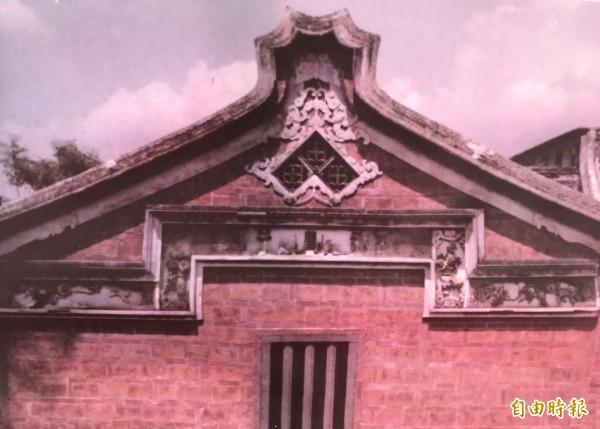 五股「守讓堂」原址位於成泰路與登林路口,是1917年、日治時期大正六年興建的古宅。(記者陳心瑜翻攝)