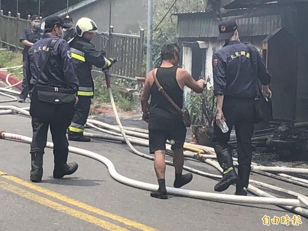 北市火警現場(記者邱俊福攝)