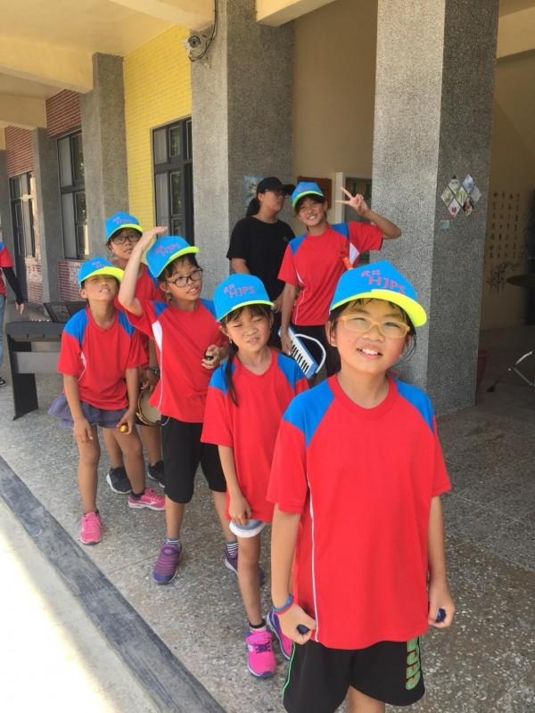 虎井國小為離島迷你小學,全校僅6位學生。(圖由虎井國小提供)