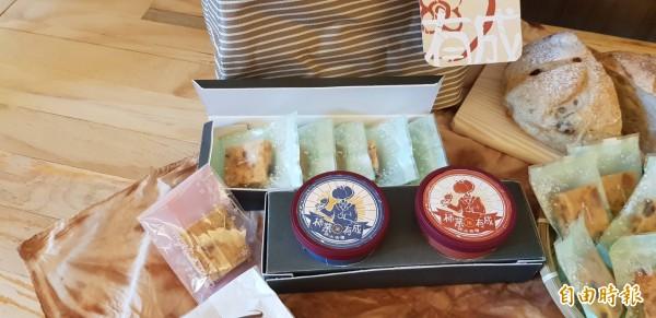 新竹市玄奘大學學生透過跨域合作,為新埔柿餅推出多元的產品,相當吸睛。(記者洪美秀攝)